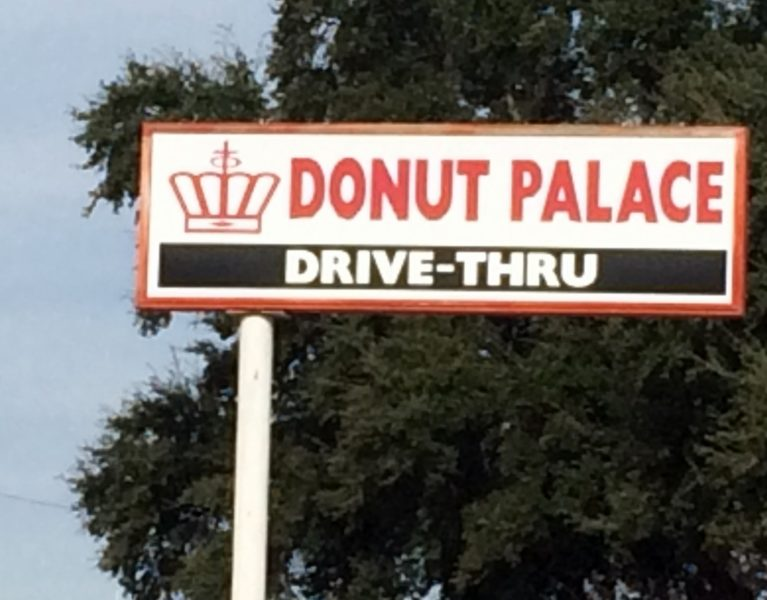 donut-palace-uvalde-texas-photo