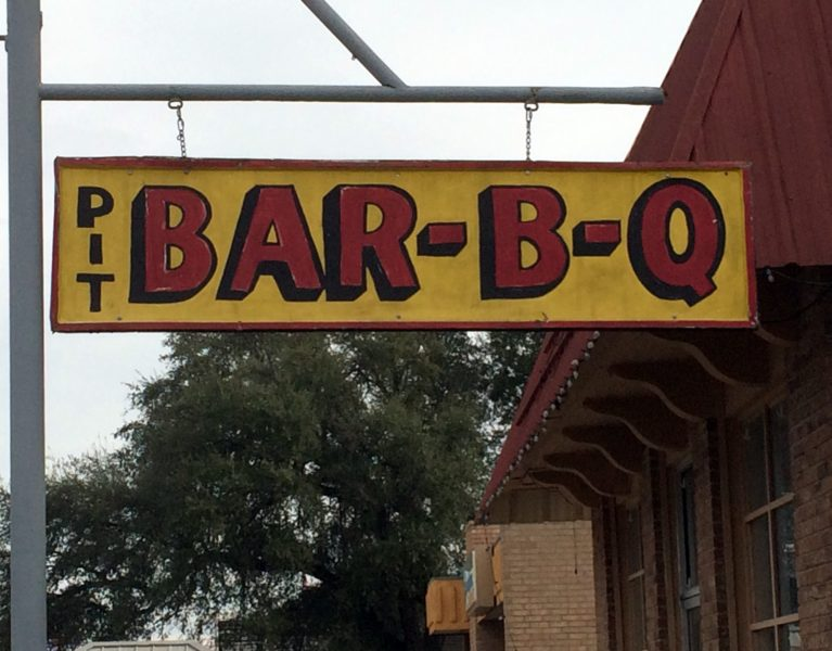 evetts-bar-b-que-uvalde-texas-photo